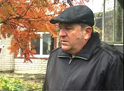 Неизвестные в балаклавах подожгли дом, где жили штабисты кандидата Василия Капацыны