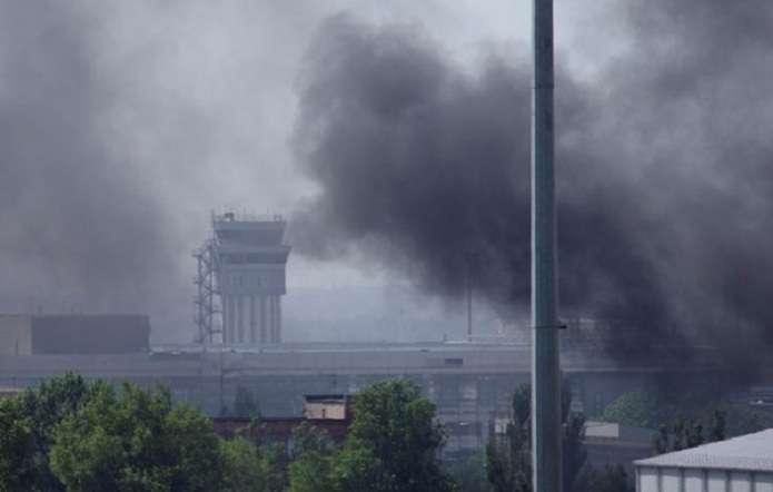 Из «Градов» по-прежнему достается Донецкому аэропорту. Россияне активно ведут воздушную разведку с Ми-8