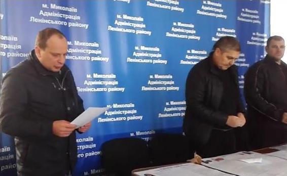 Как-то это напрягает: на 128-м округе за день до выборов главу ОВК заменили на киевлянина