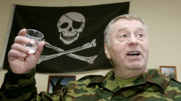 Нечего тут по ночам летать: Жириновский свалил вину за авиакатастрофу на главу Total