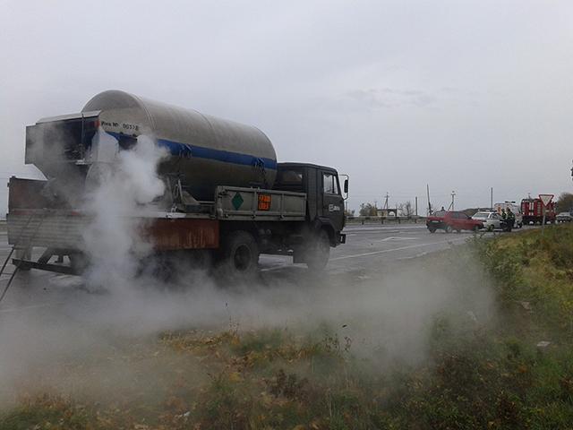 Химический туман на пр.Героев Сталинграда. Из цистерны потек жидкий кислород