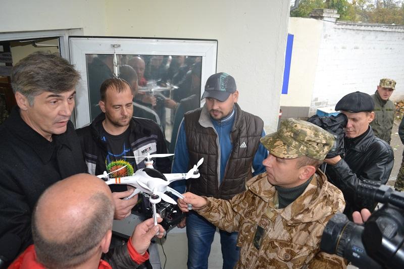 Николаевским десантникам передали беспилотник и бронированный КрАЗ