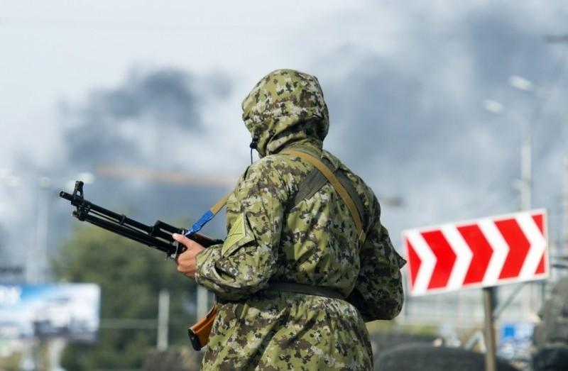 Под Майорском обстреляли волонтерскую «Скорую»