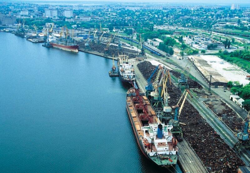 На внешнем рейде Николаевского порта впервые перевалили коксующийся уголь