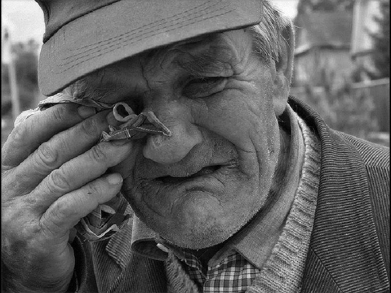 Чаще говорите со своими стариками. Еще один 91-летний николаевец обменял 13 тыс.грн. на бумагу