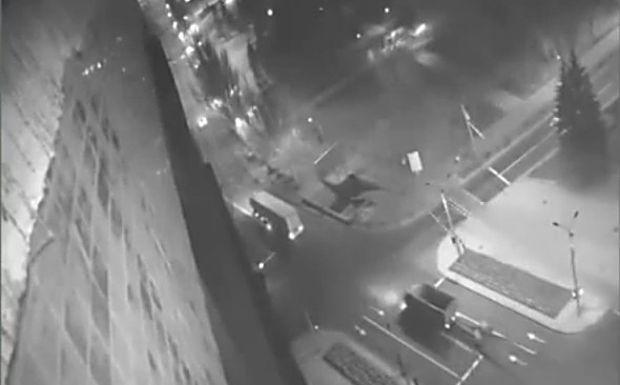СНБО показало видео, на котором «гумконвой» буксирует оружие. Россия все отрицает