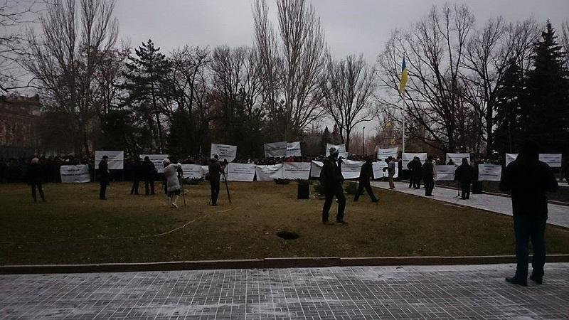 """Сотрудники """"Николаевоблэнерго"""" чуть ли не штурмом взяли кабинет 1-го заместителя губернатора"""