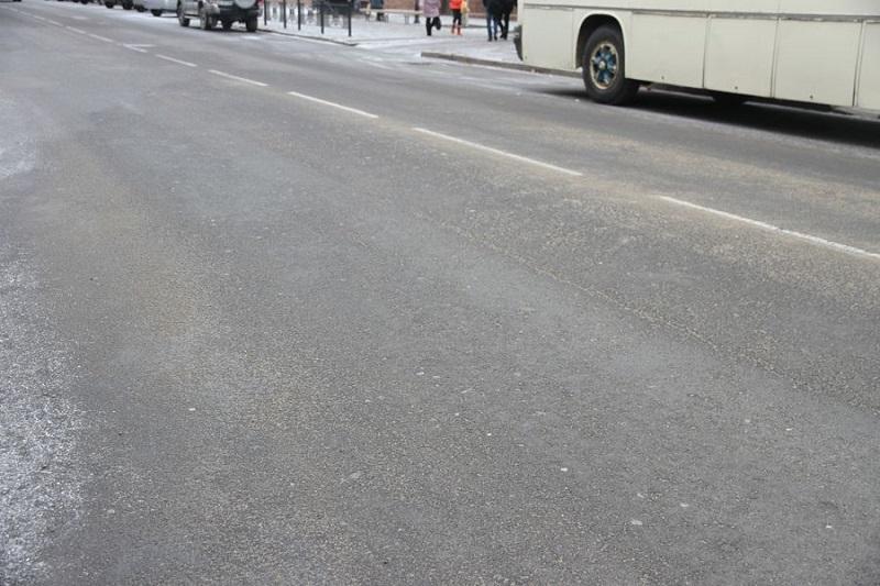 Николаевские магистрали уже обрабатываются противогололедной смесью