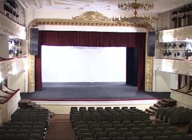 На новой сцене Николаевского русского драмтеатра актрисы падать не будут