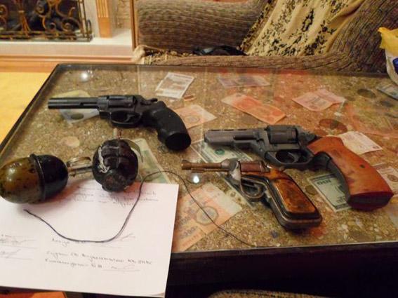 В Вознесенске револьверы нашли в белье
