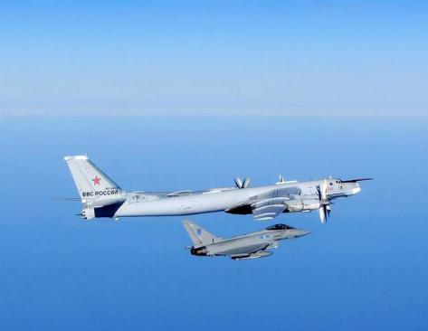 Британия подняла по тревоге истребители – из-за российских бомбардировщиков