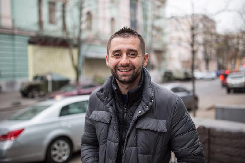 Давид Арахамия: Волонтеры решили наступать единым фронтом