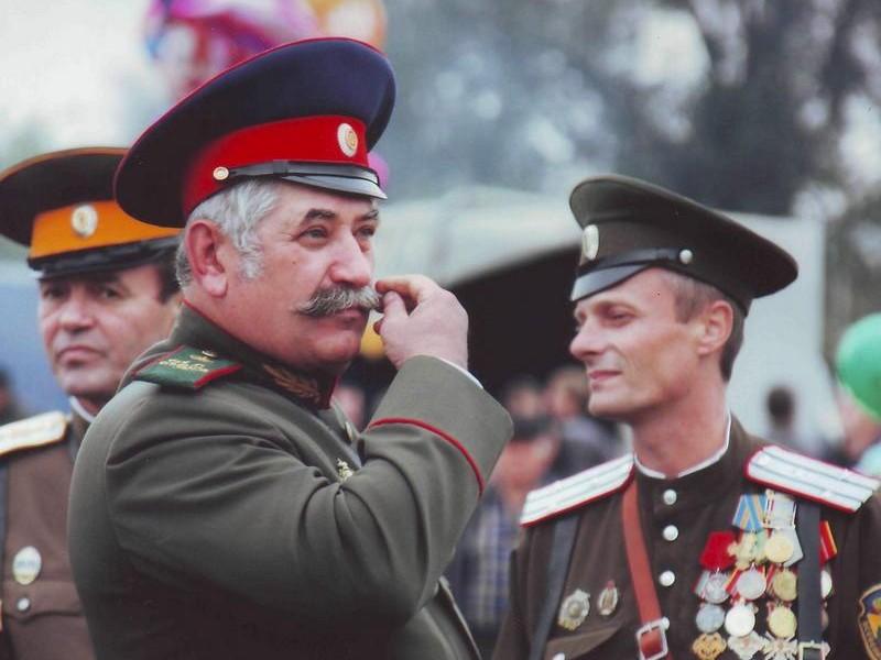 Так на Донбассе нет российских войск? Атаман Козицын российским журналистам сказал, что есть, и назвал, какие именно