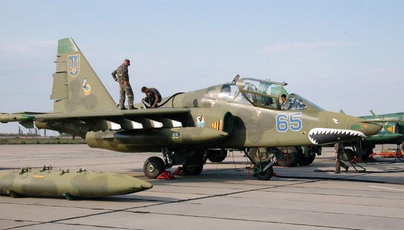 Нештатная ситуация: во время полетов над Николаевом произошел случайный отстрел фонаря кабины пилота