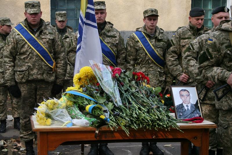 Провожаем лучших: в Николаеве попрощались с майором крымской бригады береговой охраны, погибшем в зоне АТО