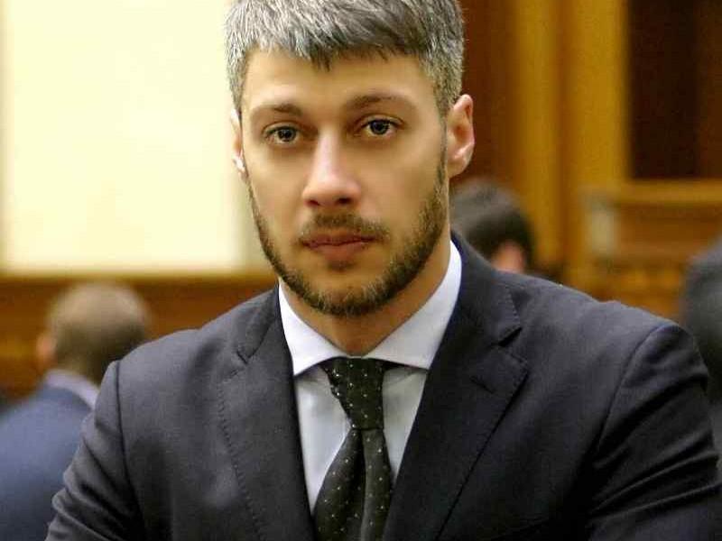 Артем Ильюк зарегистрирован народным депутатом Украины