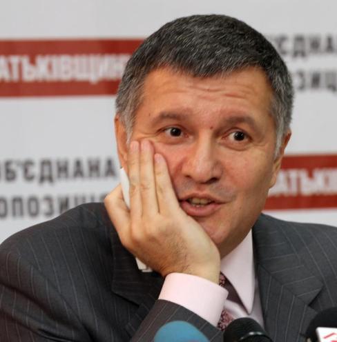 Милиция больше не будет ни арбитром, ни сторожем: по всей Украине закроют игорные заведения