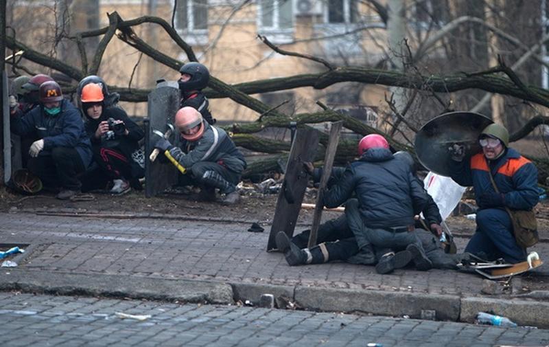 В сети появилось новое видео расстрела на Институтской