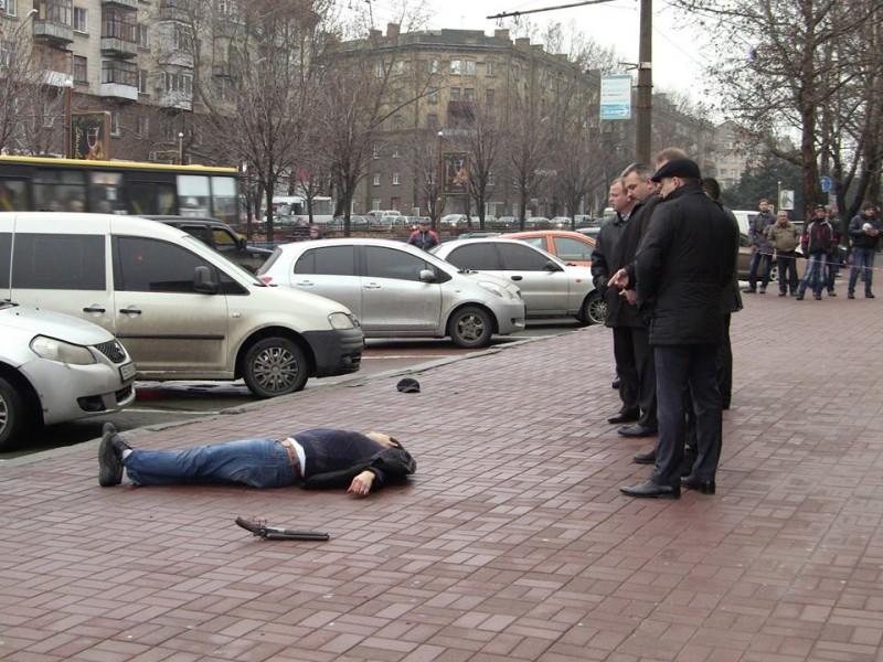 Перестрелка в центре Николаева: один мужчина убит (18+)
