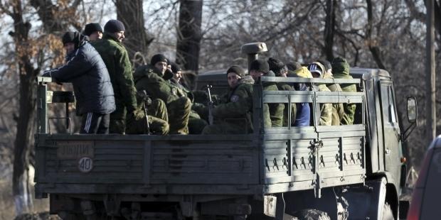 РФ продолжает перебрасывать войска на Донбасс, за выходные вошли 2 дивизиона артиллерии