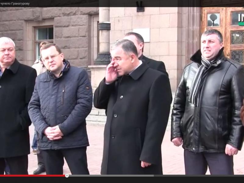 «Чучело» Гранатурова принесли и унесли. А мэр снова «развел» общественников