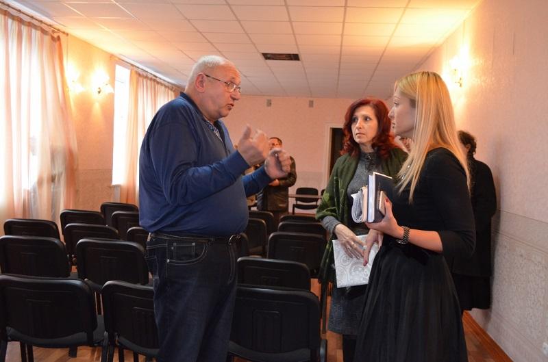 Решение о передаче Николаеву Жовтневого ДК еще не принято, но люди волнуются
