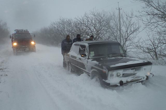 Вчера в Николаеве стихия унесла жизни двух человек, в милицию около 200 граждан обратились за помощью