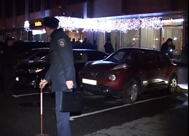 Вчера в Киеве почти в полночь неизвестный бросил гранату в группу народных депутатов