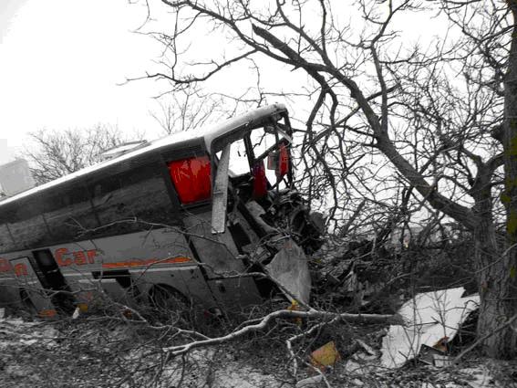 Страшная авария в Николаевской области: автобус столкнулся с грузовиком
