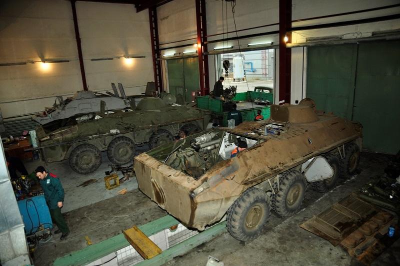 В Южноукраинске обкатали отремонтированные автотранспортниками Южно-Украинской АЭС БТРы