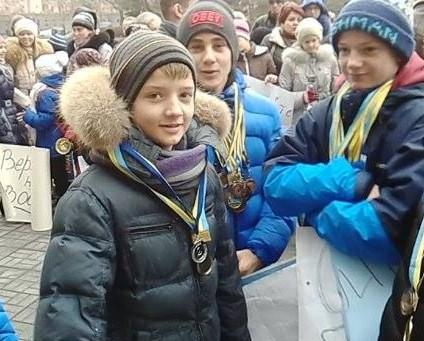 Николаевцы пришли под ОГА с требованием приструнить Антощенко и дать свет в «Водолей»