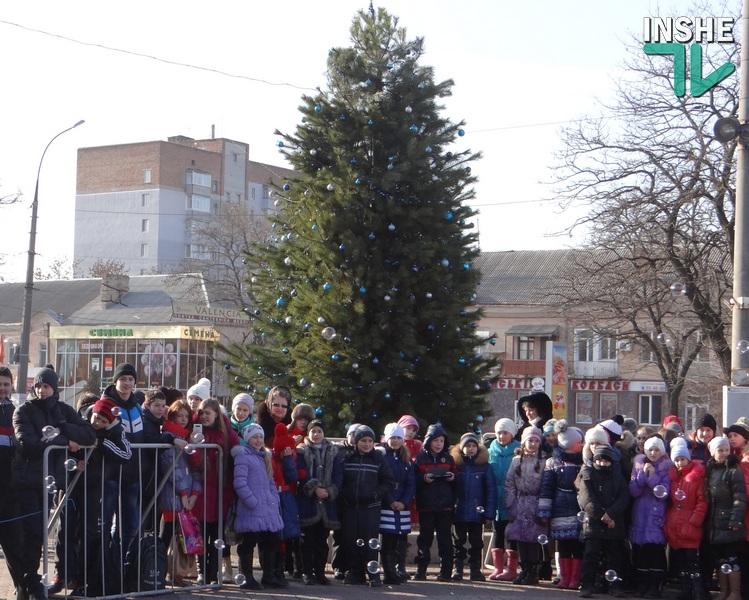 Топчий пожелал николаевцам в новом году мудрого козла, а Гранатуров на открытие елки так и не приехал