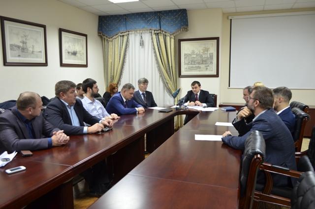 «Воины света»: Мериков послал народных депутатов – оббивать пороги