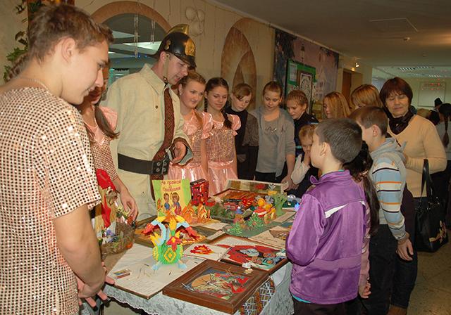 Сегодня – День Святого Николая. Первыми с праздником в Николаеве поздравили детей из Донецкой и Луганской областей