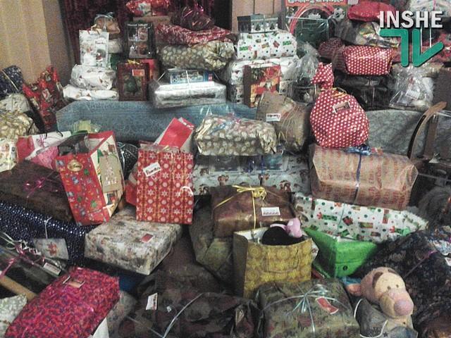 В Николаев детям военных привезли подарки Деда Мороза под охраной Минобороны Латвии