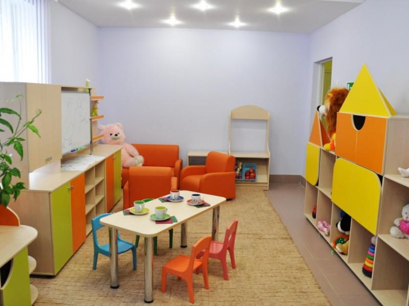 Детские сады работают до 12:00. Детей нечем кормить