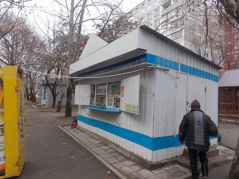 Уходя-уходи: В Николаеве снова закрыли точку по продаже самогона на Нагорной