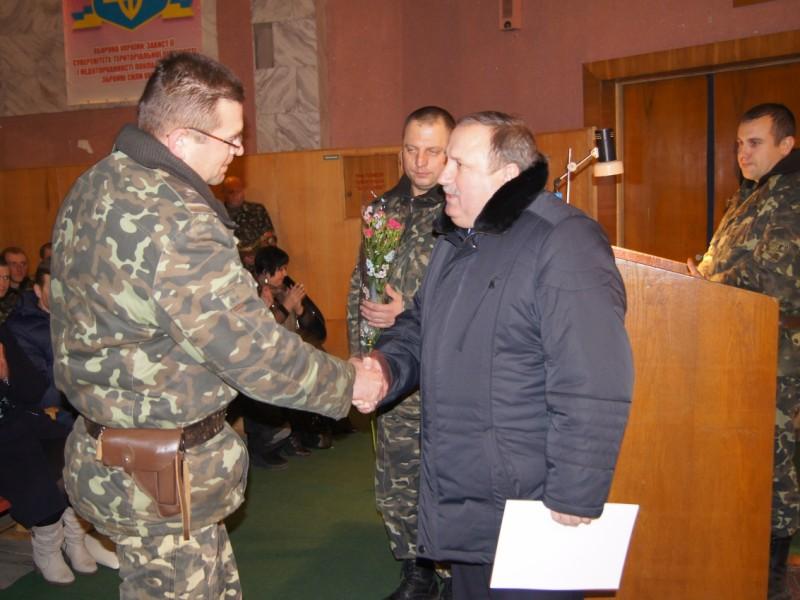 Николай Романчук поздравил воинов с Днем армии