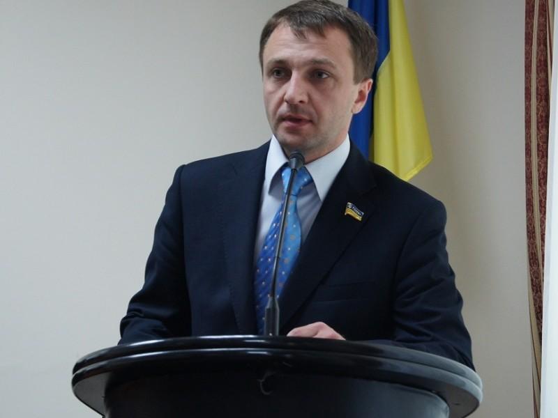 Языковой омбудсмен призывает новых депутатов местных советов отменить решения о региональных языках