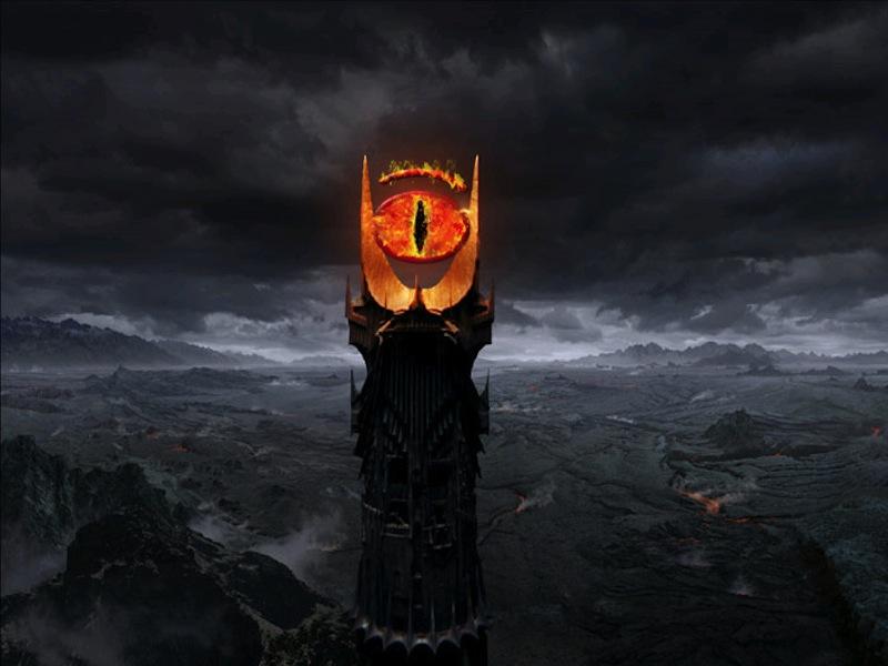 Это не шутка: над Москвой и Санкт-Петербургом появится всевидящее «Око Саурона»