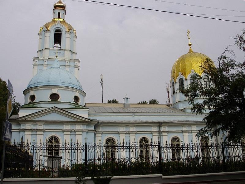 В Николаеве осквернили собор Рождества Пресвятой Богородицы