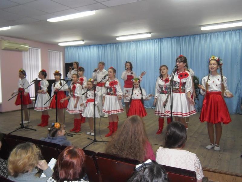 Рекордная «Червона калина-2014» расцвела в День Вооруженных сил Украины