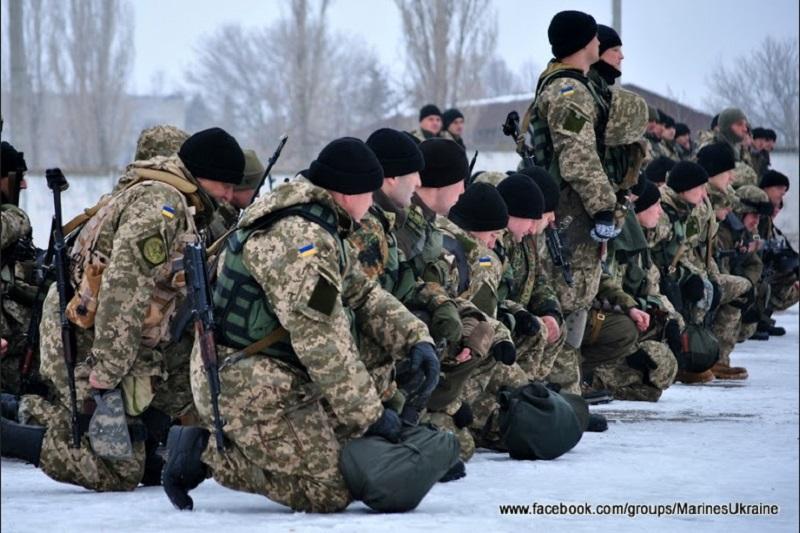 Николаевцы проводили морпехов в зону АТО