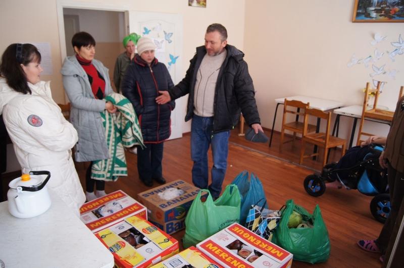 Доброе слово плюс гуманитарная помощь лучше, чем просто доброе слово: переселенцам помог Березнеговатский район