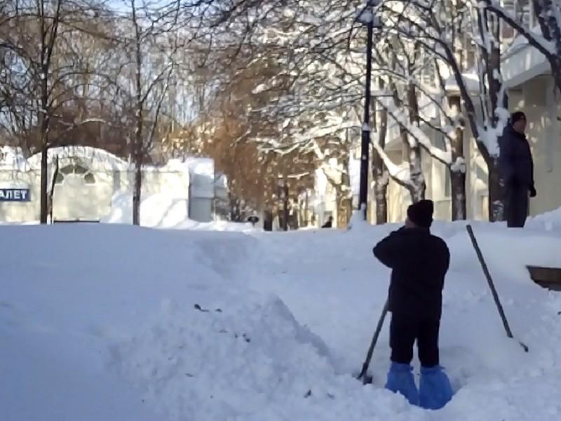 Говорят, что Николаев освобождают из снежного плена