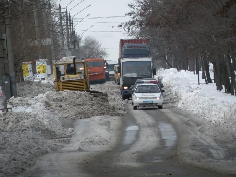 Бок о бок. Контролировать уборку улиц Юрию Гранатурову помогает ГАИ