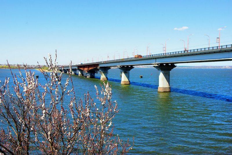 Со следующей недели перекроют движение грузовиков по Варваровскому мосту