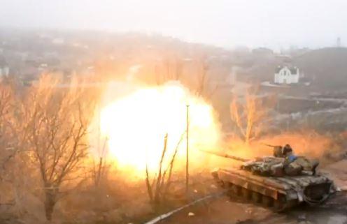 В сети появилось видео утреннего боя в Широкино