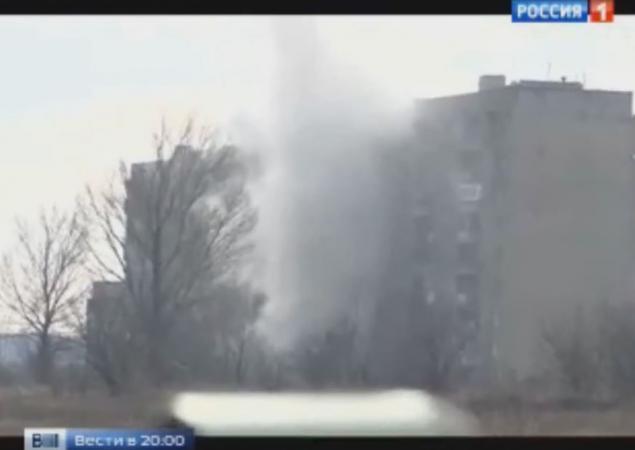 """""""Ниже надо, ниже"""", – террористы Путина расстреливают из танка дом мирных жителей"""
