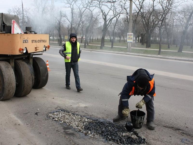 Внебюджетные возможности мэра Гранатурова. Временный ремонт дорог – до весны